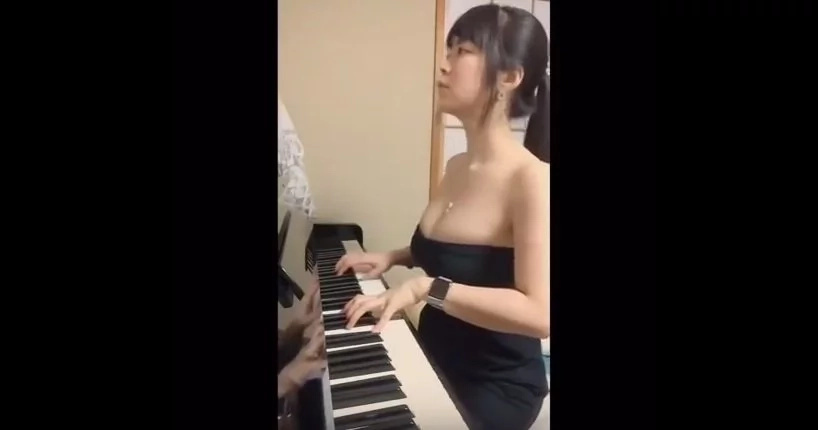 This Girl May Be The Sexiest Pianist Ever