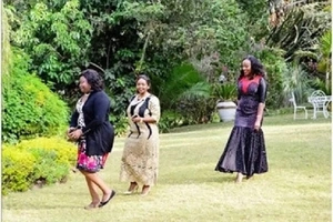 Raila's wife Ida and HOTTEST female pastor in Kenya show their SEXY poses (photos)