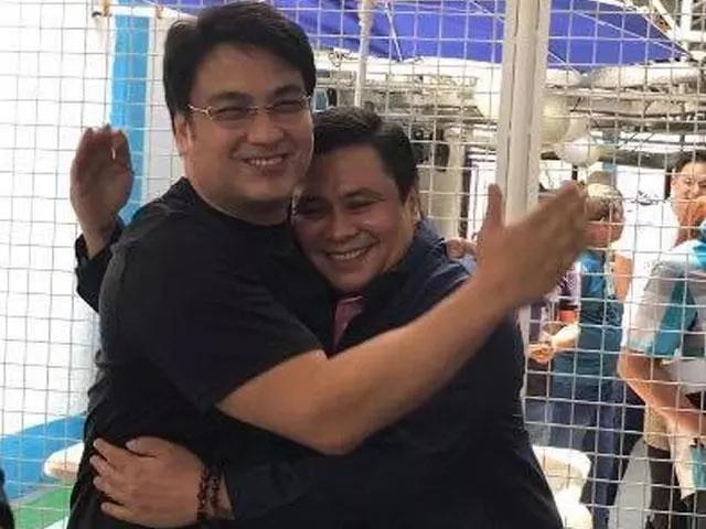 Bong Revilla gets surprise visit from Jinggoy Estrada