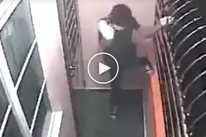 Pumalpak si kuya! Clumsy Pinoy thief's hilarious epic fail during burglary caught on CCTV