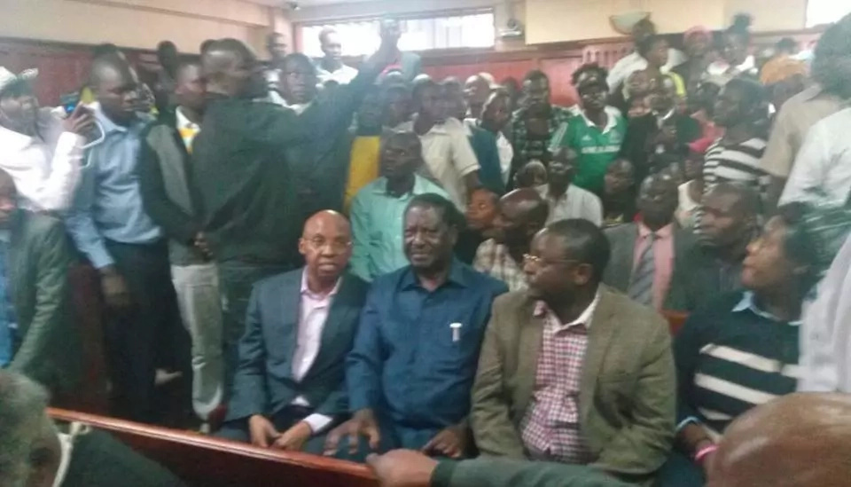 Raila Odinga leads NASA big wigs in court but police fail to produce Miguna Miguna as ordered