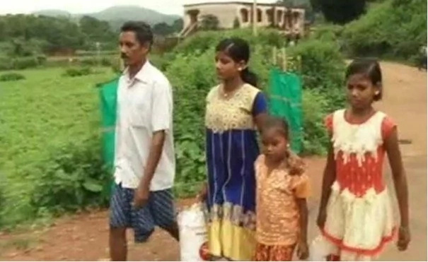 Indian Man Becomes 'Rich' After Carrying Wife's Body 37 Miles To Her Funeral
