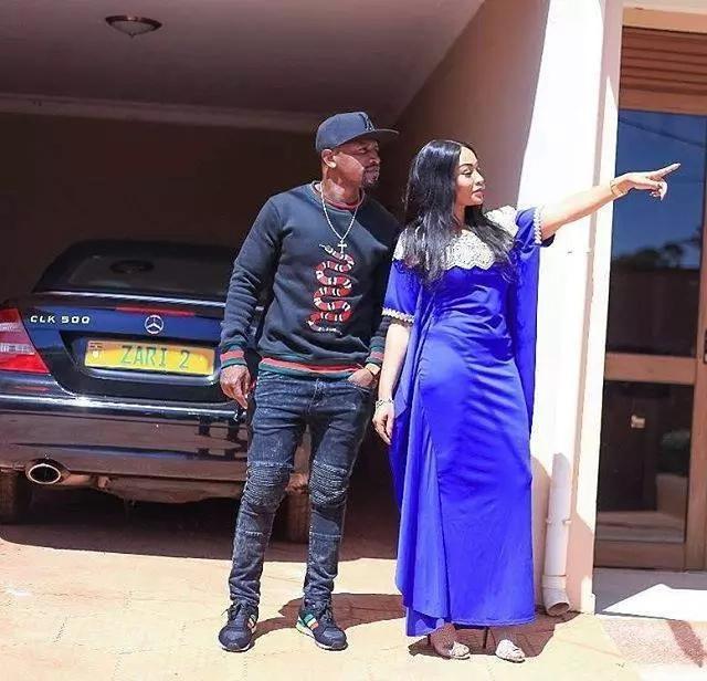 Zari Hassan aringa na 'mpenziwe mpya' baada ya Diamond kukiri kudanganya katika ndoa