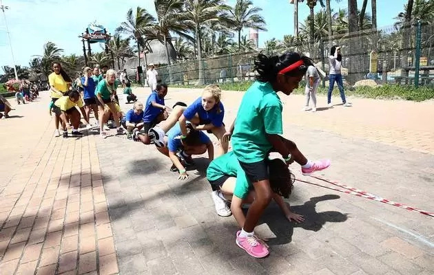 Epic! Over 500 school children leap-frog to SAVE FROGS, but fail to crash world record (photos)