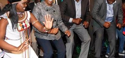 Ruto aenda 'chini kwa chini' katika kufungua mwaka wa mpya wa 2017 (Picha)