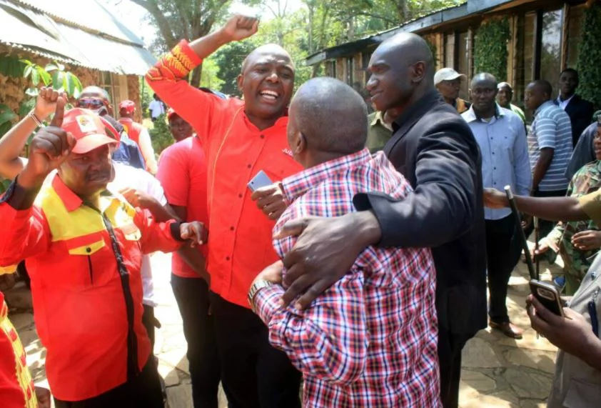 Chaotic scenes in Murang'a as Jubilee candidates chase independent candidates