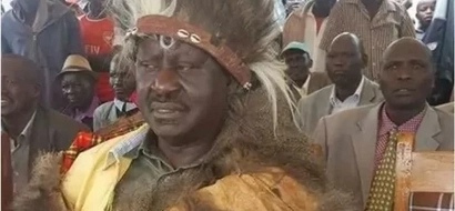 After alleged fake tradition in Rift Valley, Raila performs an age old tradition in Nigeria