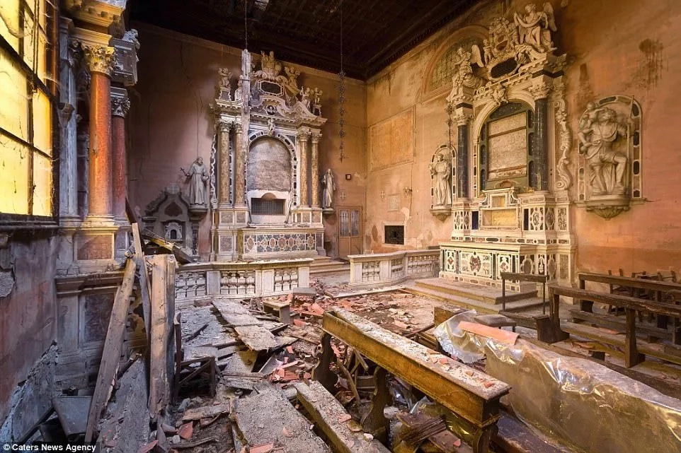 Abandoned! Old and FORGOTTEN churches hint at once-beautiful architectures (photos)