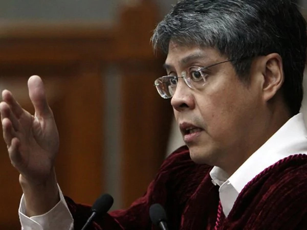 Pangilinan: double doctors' salary to combat brain drain