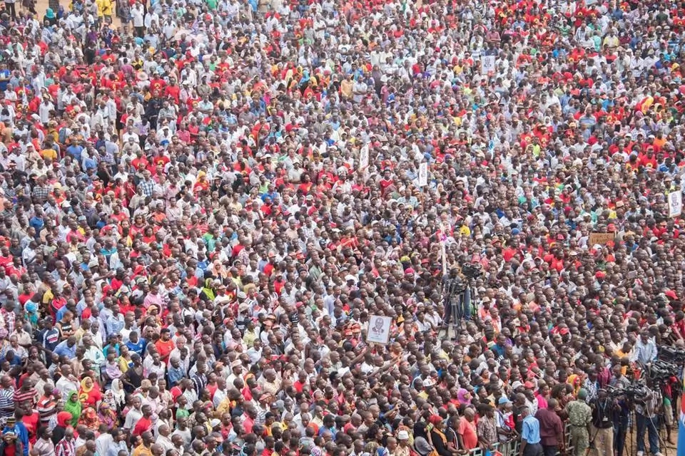 Jubilee shuts down Mombasa as thousands attend rally (photos)