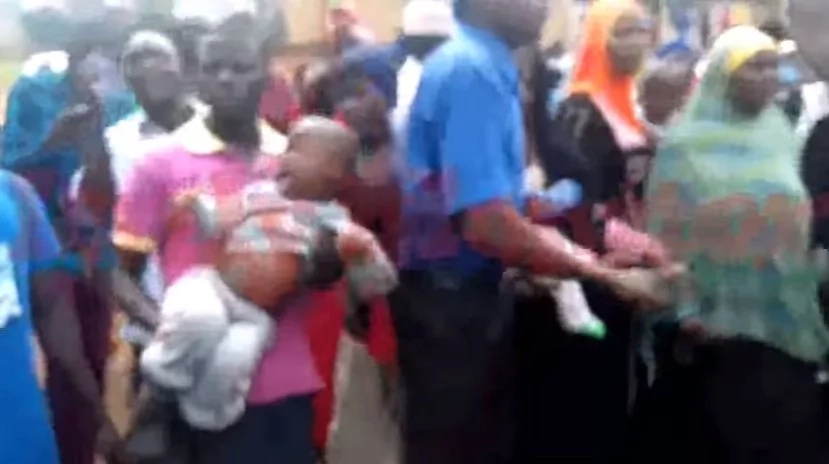 Man throws TODDLER at guard in chaotic protest outside court (photos, video)