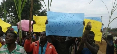Jubilee and ODM youth clash in Mumias during Raila's tour (Photos)