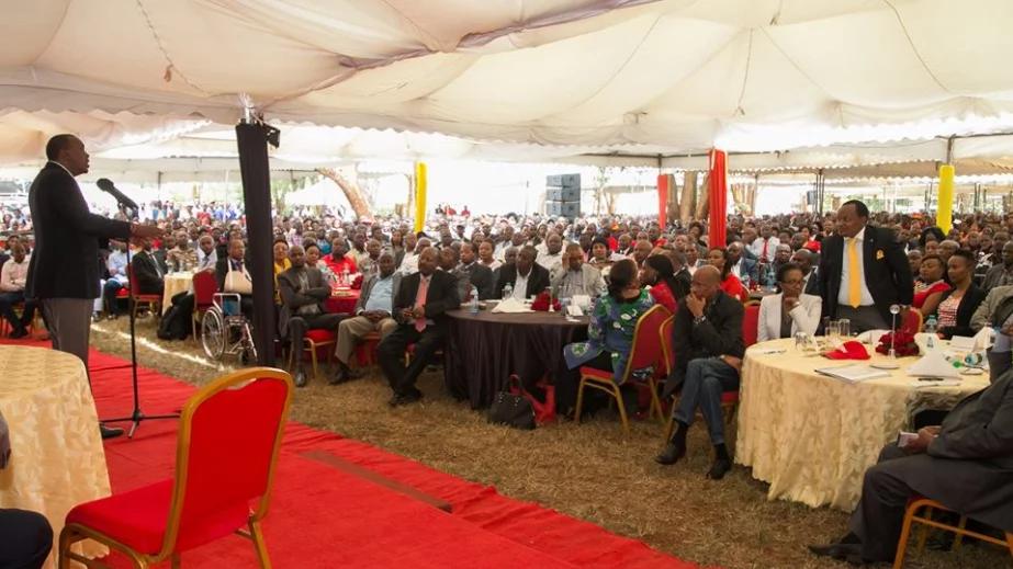 Uhuru orders Jubilee MP to drop petition against Maraga