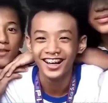 Pinoy kids introduce #walangtatawachallenge