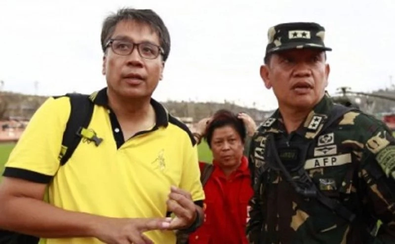 Mar Gets Support Of 2 Visayas Mayors On Yolanda Rehab