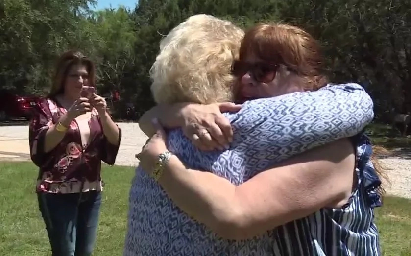 A mother was reunited with her daughter after 52 YEARS! (photos, video)