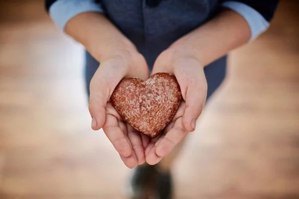 5 small acts that win you instant affection of people