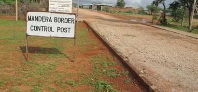 Workers On The 800-KM Kenya-Somalia Border Wall Down Their Tools