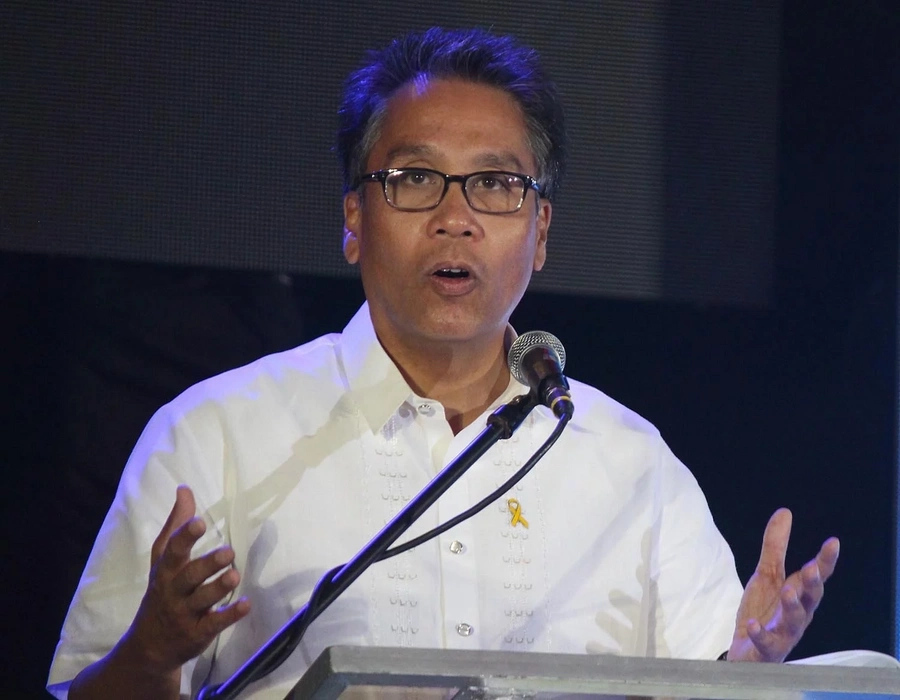 Roxas: P100,000 for valedictorians, an investment