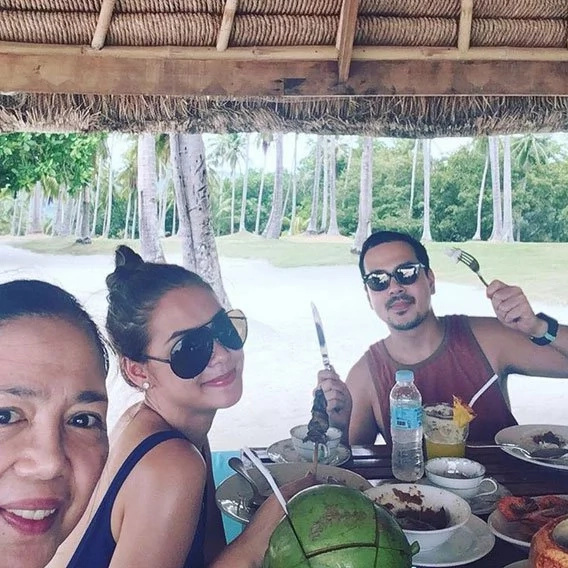 Maja Salvador and John Lloyd Cruz are hitting it off