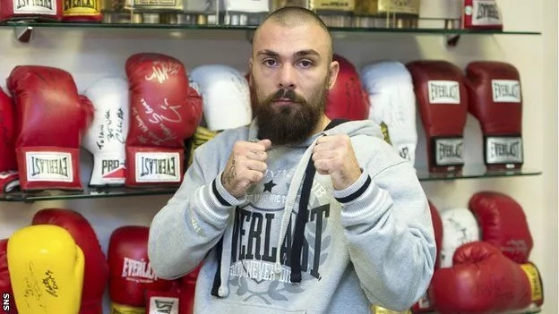Boxer Mike Towell dies after knockout