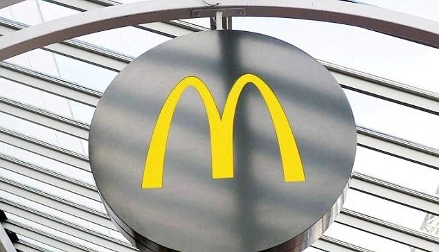 McDonald's Manager Pulls Down Girl's Trousers Exposing Her Bum In Front Of Other Diners