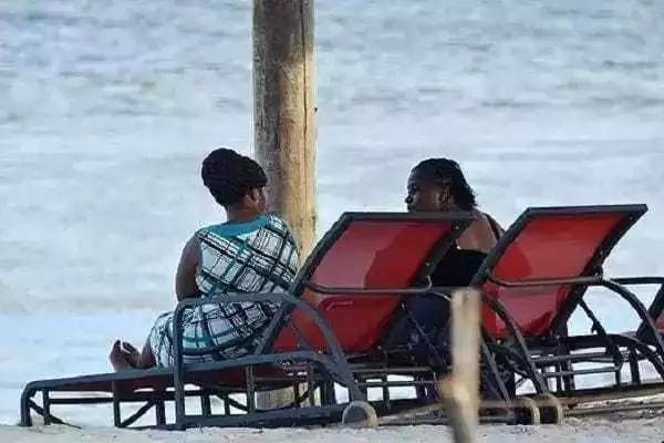 Wanasiasa WAHEPA kongamano Mombasa na kwenda kujivinjari ufukweni (picha)