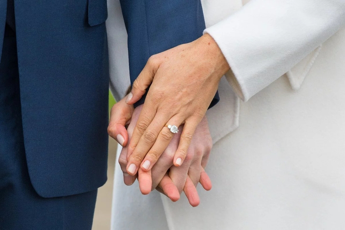 Super ganda! Prince Harry's custom made engagement ring for Meghan Markle has connections with Princess Diana
