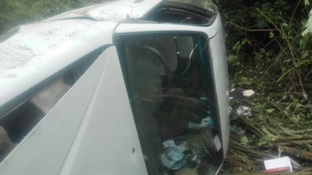 Journalist escapes death by a whisker in road accident