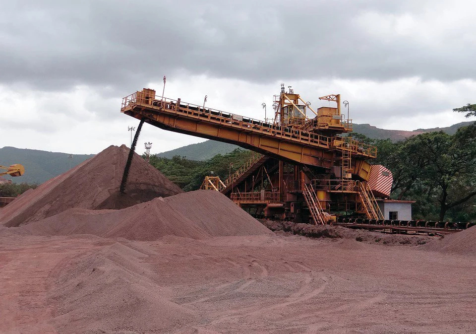 Policía Nacional cerró socavones de minería ilegal en Cauca
