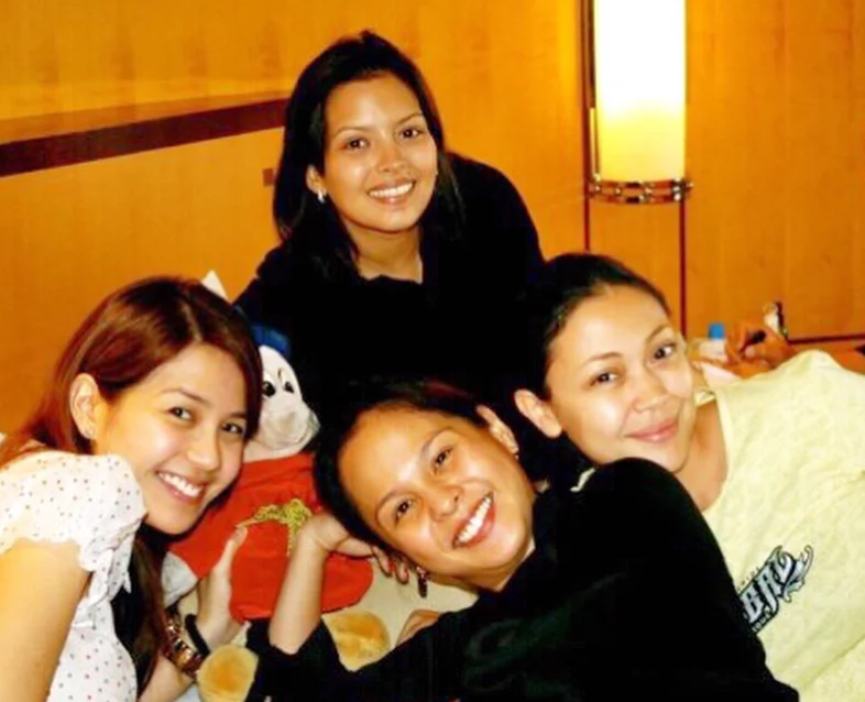 Tabing Ilog girls prepare for the Star Magic Ball 2010 with Nikki Valdez