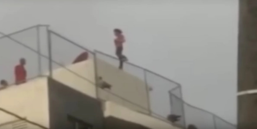 Video shows how a man kills himself jumping from the fifth floor of a building in Dominican Republic