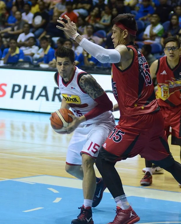 Star upends top-seed San Miguel, extends playoff run