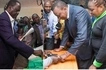Raila rejects presidential results as Uhuru takes early lead
