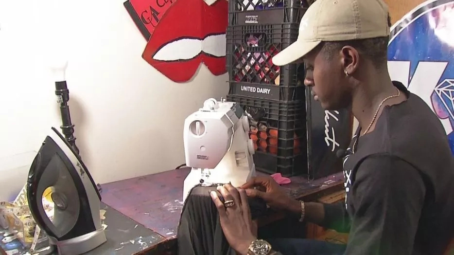 This homeless teen asked a girl to prom. Then, he makes her a dress from scratch. Now, every girl wants his designs!