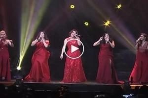 Siya talaga ang reyna! Regine Velasquez joins Divas in Manila in epic prod number