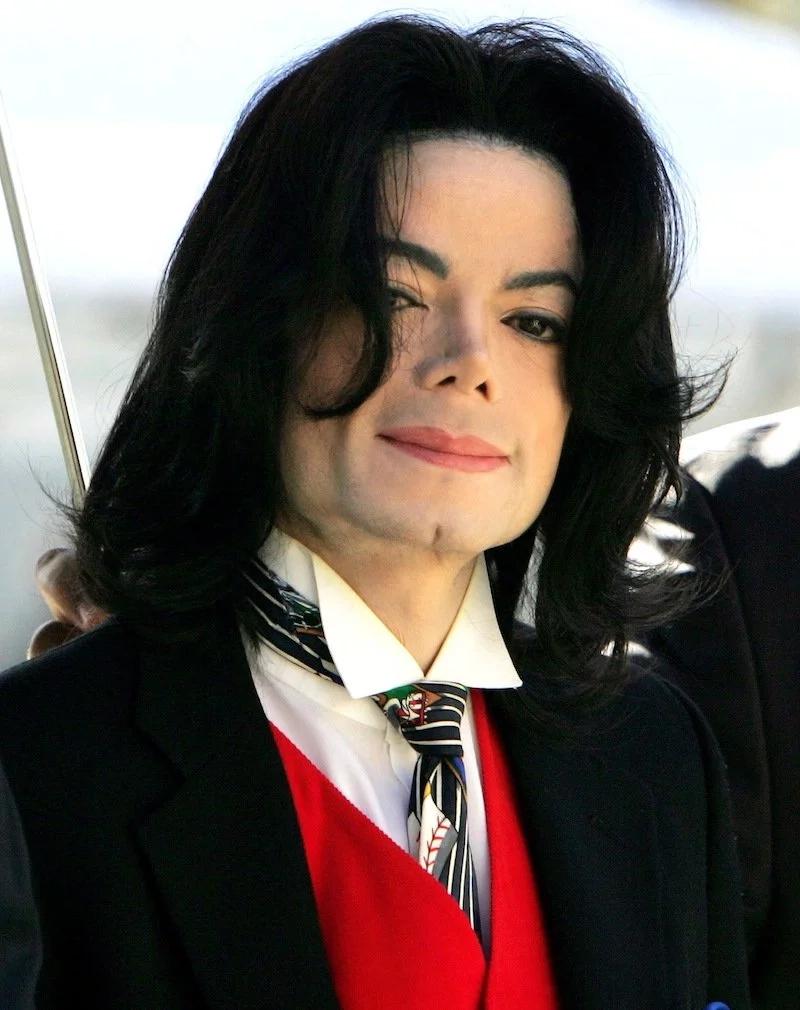 Michael Jackson 'afufuka'! Mwanamke aweka picha ya mpenziwe mtandaoni na wengi washangaa kama kweli Michael Jackson alifariki