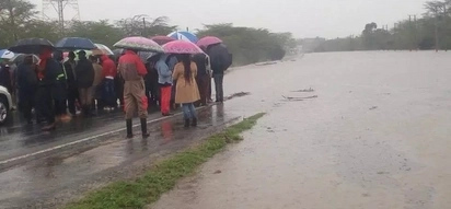 Daraja lasombwa na mafuriko huku uchukuzi kati ya Machakos-Nairobi ukikwama