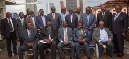 Ex-Nyanza MPs pay Raila courtesy call following handshake with Uhuru