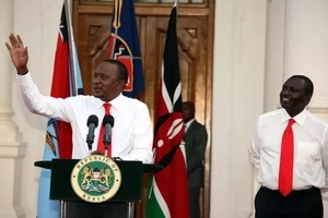 Ruto copies this Obama style and some people think it is shameless (video)