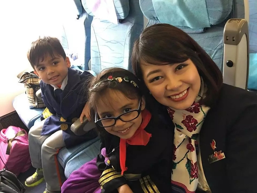 """""""It was one of the happiest day of her life."""" This staff of Philippine Airlines did something for a little girl that she will never forget!"""