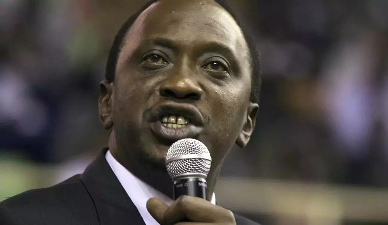 Mutahi Ngunyi autetea ukali wa Uhuru Kenyatta na kumtaka Raila naye kuwa hivyo