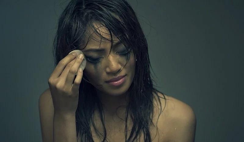 """""""Hindi ko pinagsisihan na minahal ko sya at naging kabit nya."""" This girl shares her experience about being a mistress."""