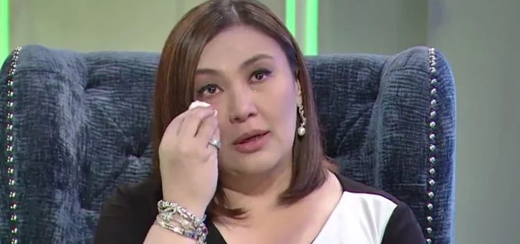 Sharon Cuneta says sad face is result of her 'pinagdadaanan'