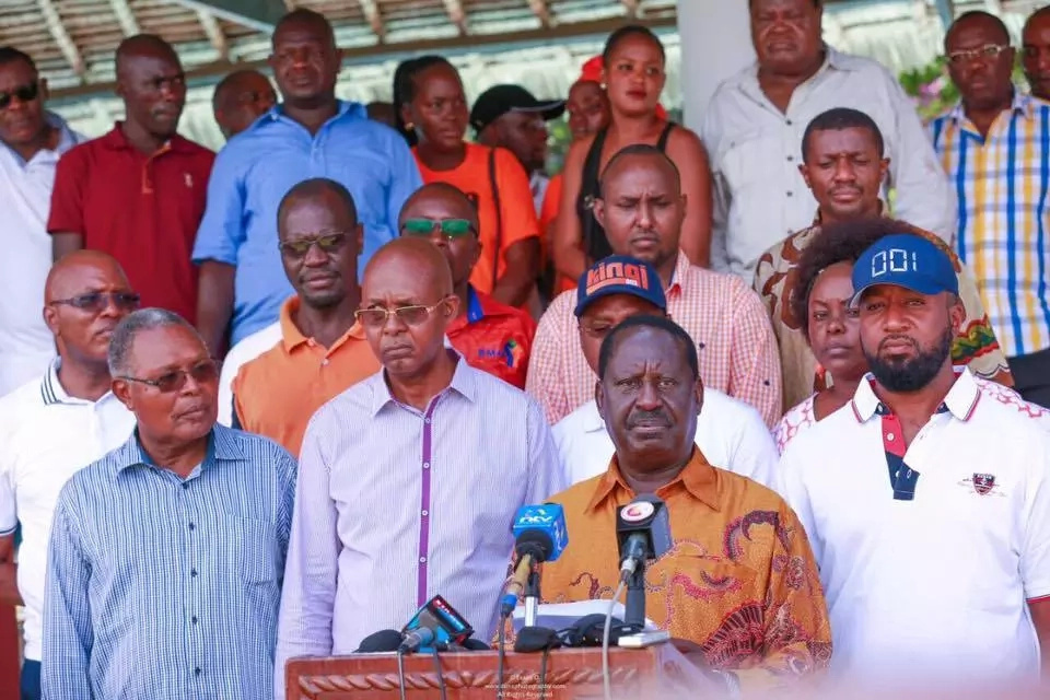 10 answers Raila Odinga has demanded from Uhuru for 'receiving' a KSh 28B bribe from Arabs