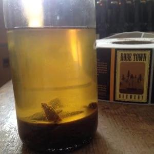 Producen cerveza a base de vómito de ballena