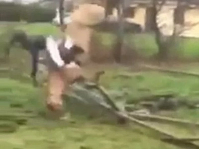 See horse somersaulting in air, crushing its rider (photos, video)