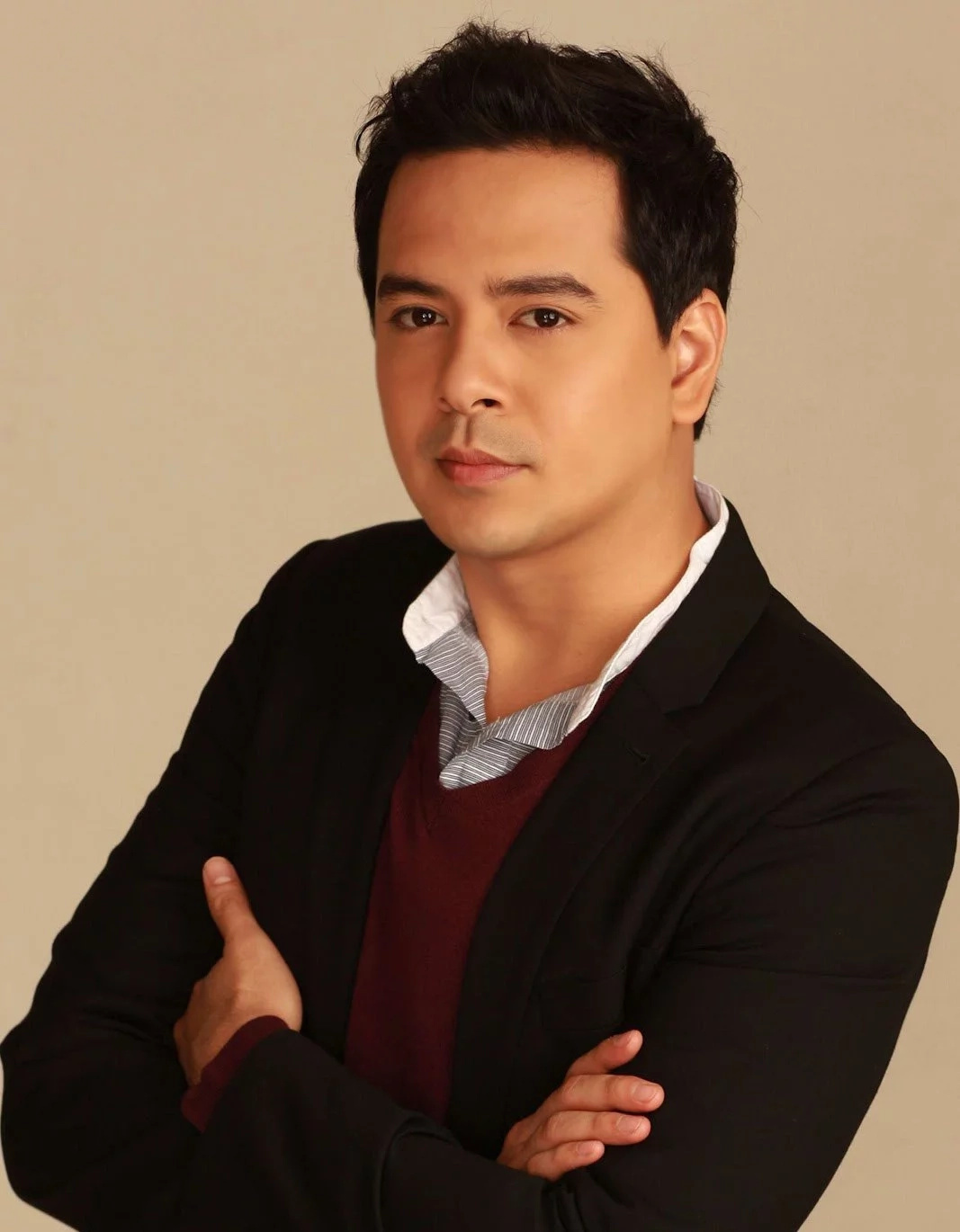 The women in Lloydie's life. Tracking down the ladies of the Box-Office King & the Best Actor, John Lloyd Cruz!