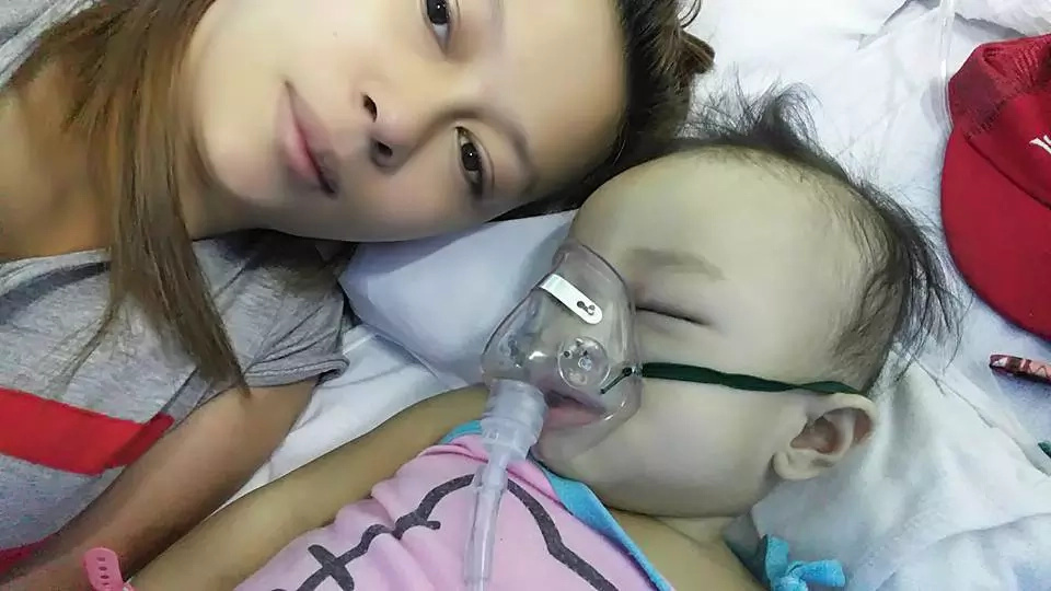 Netizen mourns over the untimely death of her baby