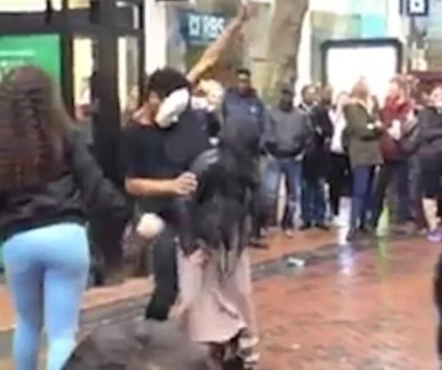 People are calling for the DEATH of a HIJAB-WEARING Muslim girl who twerked on the street in the UK